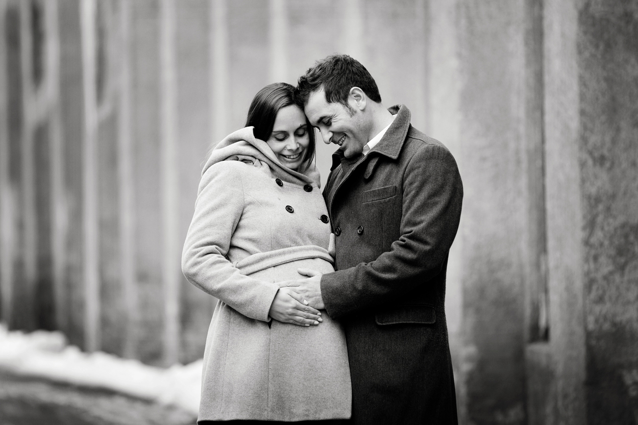 Outdoor Urban Maternity Portraits