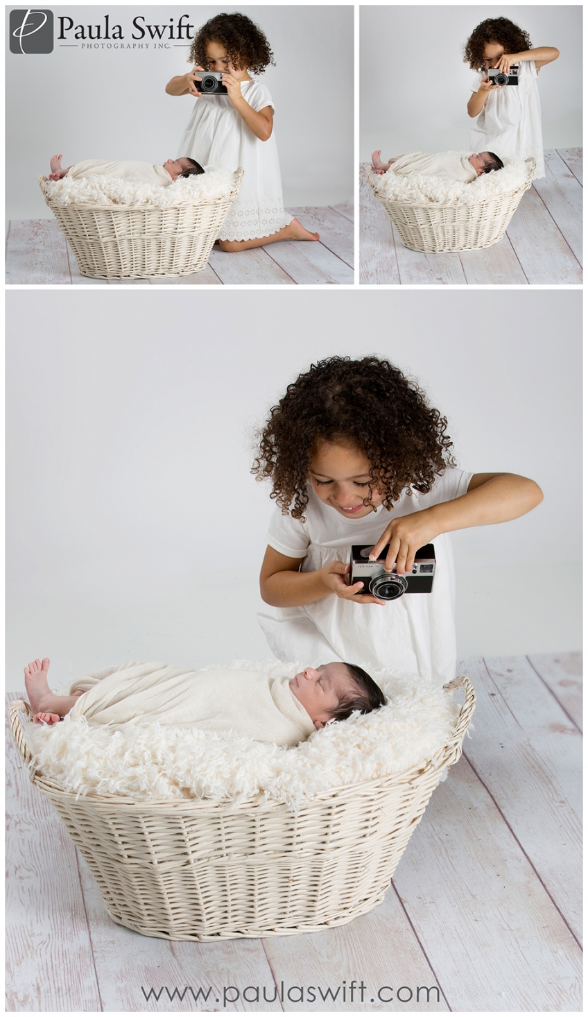 newborn and siblings photos
