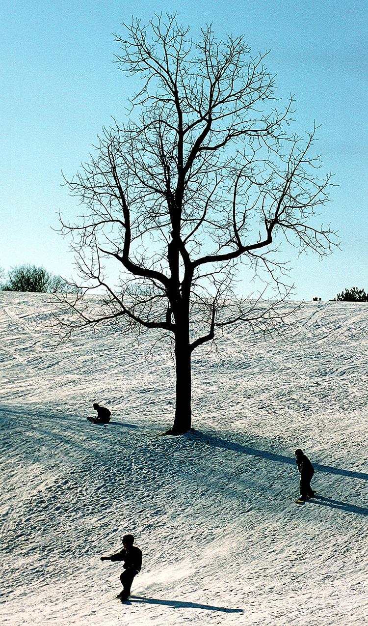 SNOWBOARDING; GREEN HILL PARK